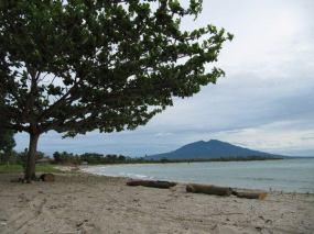 Pantai Merak belatung 3