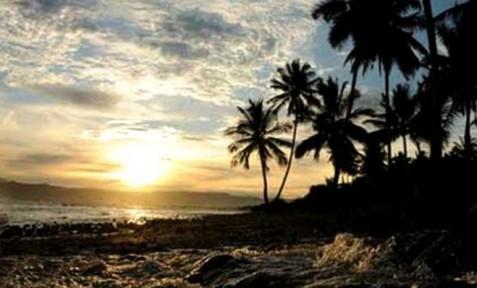 Kemilau sunset pantai terbaya