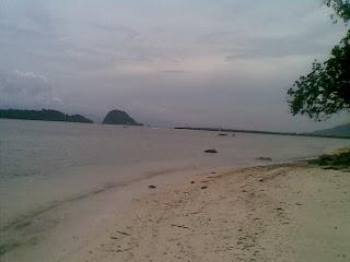 foto pantai tanjung selaki