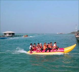 naik bannana boat di pulau tidung
