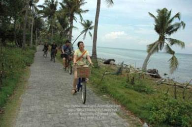 Naik sepeda di pulau tidung