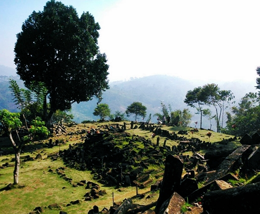 gunung padang tempat wisata sejarah di jawa barat