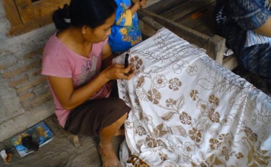Aktivitas di Kampung Batik Laweyan