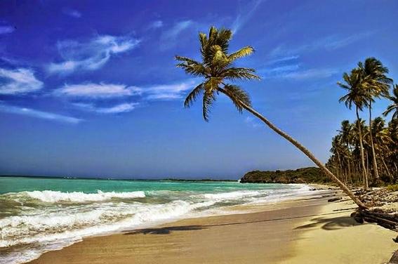 pantai-anyer-salah-satu-tempat-wisata-menawan-di-banten