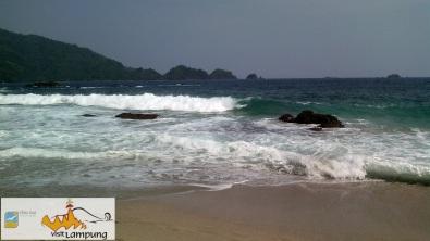 Debur Ombak Pantai Laguna