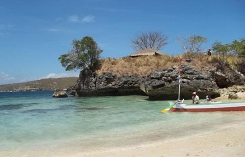 pantai pink tangsi lombok