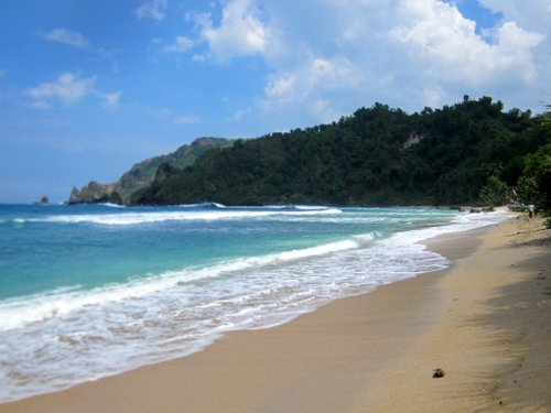 pantai-wediombo