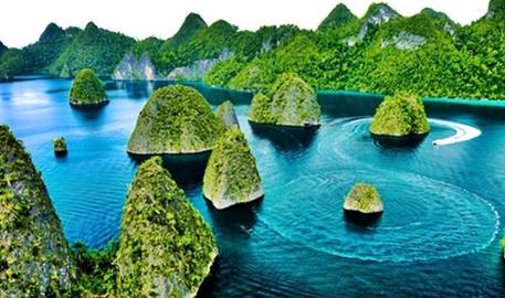 raja-ampat-tujuan-wisata-favorit-turis-asing-di-indonesia