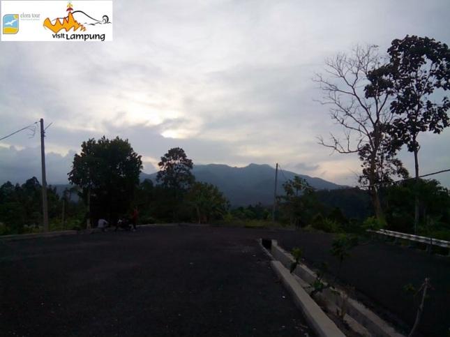 View Gunung Betung dari Parkiran