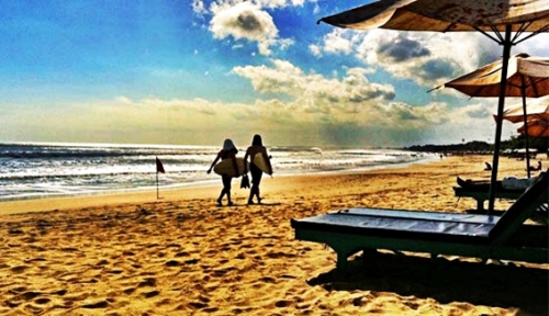 pantai-legian-destinasi-wisata-bali-selatan-eloratour