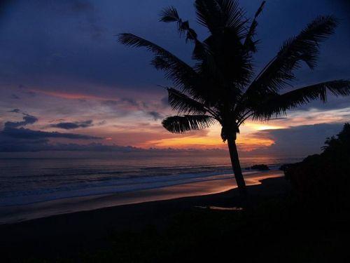 Pantai Medewi saat Sunset
