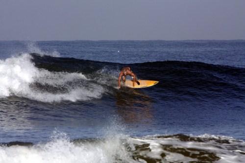 Pantai Medewi lokasi Surfing