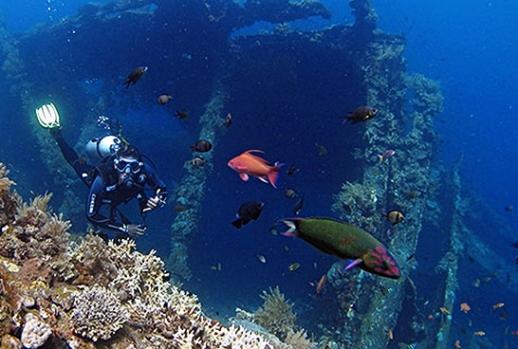 tulamben-spot-diving-di-bali-timur-eloratour