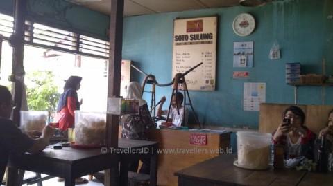 Warung Soto Sulung Stasiun Tugu. Sumber : di sini