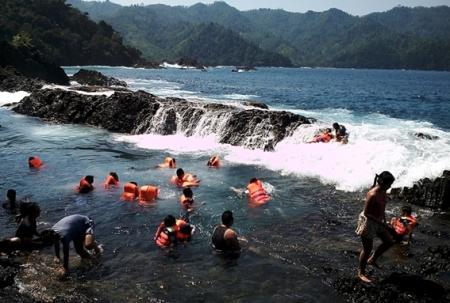 laguna gayau - tempat wisata di tanggamus lampung