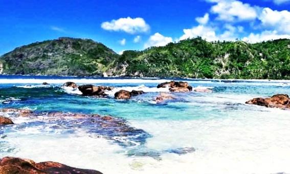 pantai-wediombo-yogyakarta