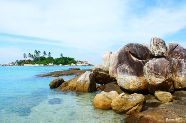 Batu Granit Pantai Parai Tenggiri