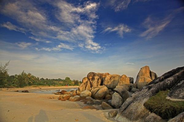Batu Pantai Rambak, Sungailiat, Pulau Bangka