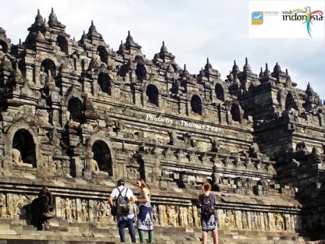 candi borobudur tempat wisata di pulau jawa indonesia
