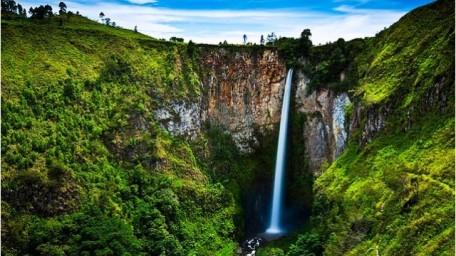 Tempat Wisata Menawan Sumatera Utara Air Terjun Sipiso piso