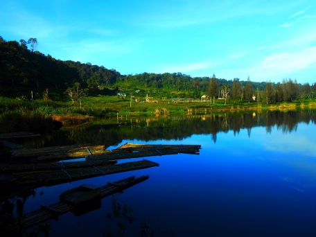 Tempat Wisata Menawan Sumatera Utara Danau Lau Kawar