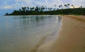 Tempat Wisata Menawan Sumatera Utara Pantai Legundri