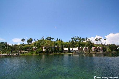 tempat wisata menawan sumatera utara Pulau Samosir