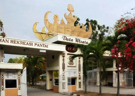 Gerbang Pantai Duta Wisata