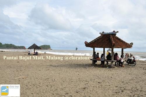Pantai Bajul Mati di Selatan malang