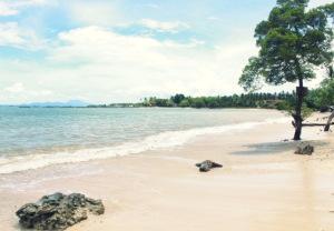 Pantai Sapenan di Kalianda