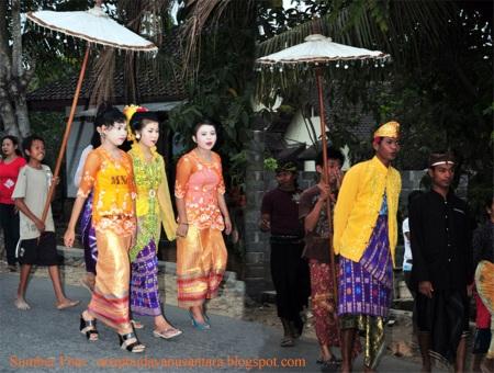Arak-arakan Perkawinan Suku Sasak, Lombok