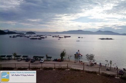 Pantai Sari Ringgung - view dari resto bukit