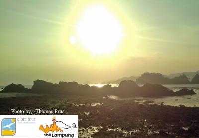eloratour Sunset di Pulau Kelapa