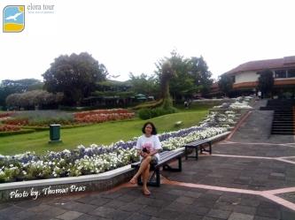 Taman Bunga Nusantara eloratour