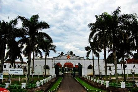 Benteng Kuto Besak Sumatera Selatan eloratour