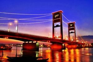 Jembatan Ampera Palembang eloratour