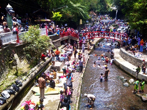 Guci Indah Tegal Jawa Tengah eloratour