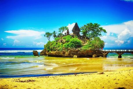 Pantai Balekambang Jawa Timur eloratour