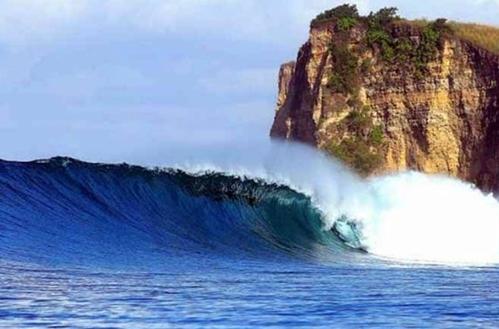 Pantai Plengkung Banyuwangi Jawa Timur eloratour