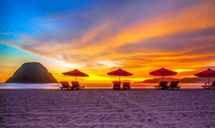 Pantai Pulau Merah Jawa Timur eloratour