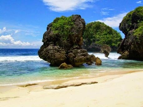 Pantai Sendang Biru Jawa Timur eloratour