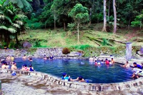 Pemandian Air Panas Cangar Jawa Timur eloratour