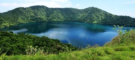 Danau Satonda di nusa tenggara barat