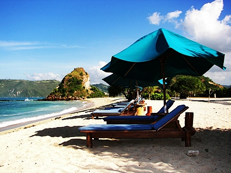 Pantai Kuta Lombok di nusa tenggara barat