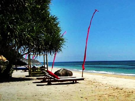 Pantai Sire Lombok eloratour