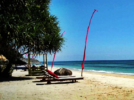 Pantai Sire Lombok di nusa tenggara barat