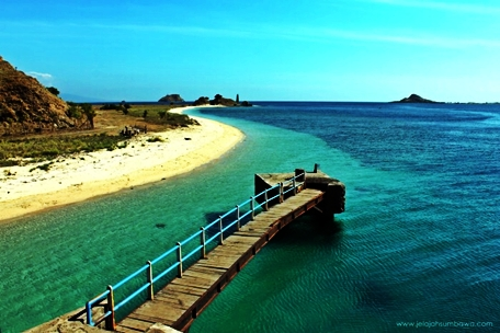 Pelabuhan Tano Sumbawa Pantai Bangko-bangko nusa tenggara barat
