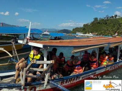 Wisata Keluarga, naik Perahu Katir ke Pahawang eloratour