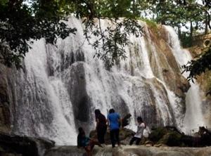 Air Terjun Oenesu, Kupang, tempat wisa di nusa tenggara timur