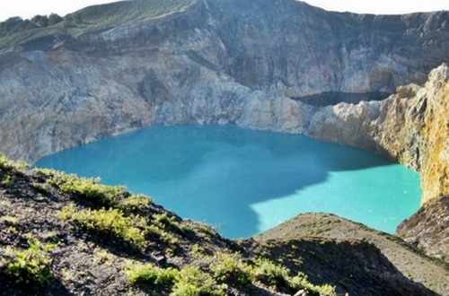 Danau Kelimutu di nusa tenggara timur